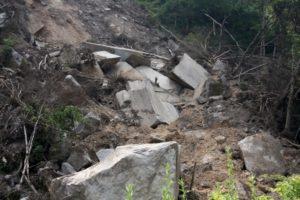 近隣トラブル 土砂崩れ